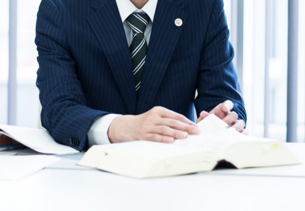 岡部弁護士